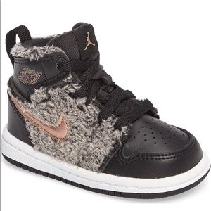 Air Jordan 1 Retro High Top Basketball Shoe